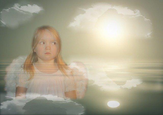 dívka jako anděl