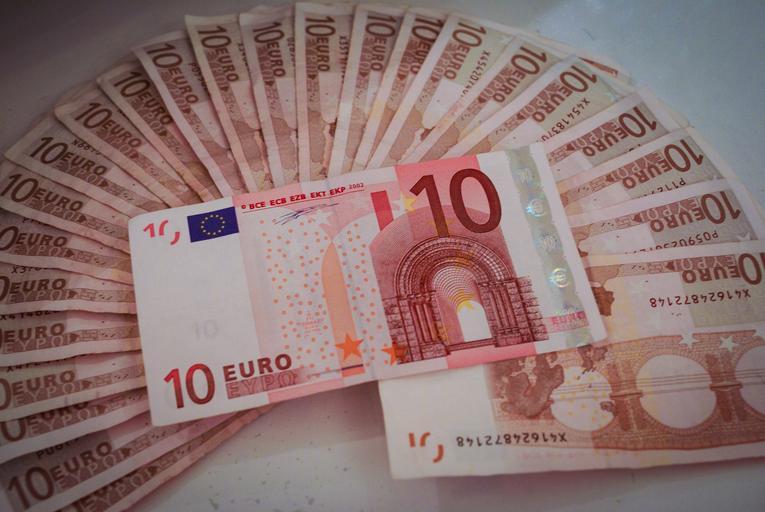 vějíř euro bankovek