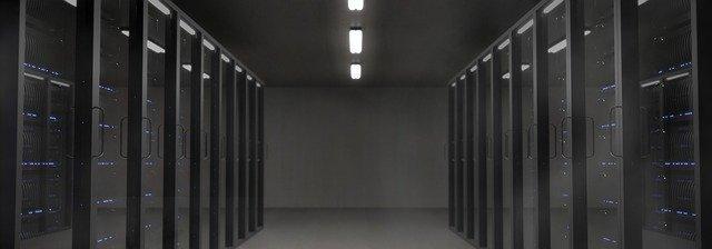 servery, kde se shromažďují satelitní data